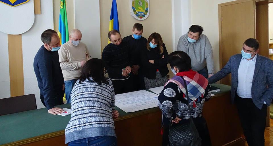 DOBRE 7 Експерти DOBRE досліджували проблеми та перспективи громади
